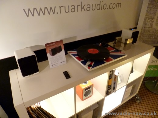 Ruark MR1 Active Speaker arrangement