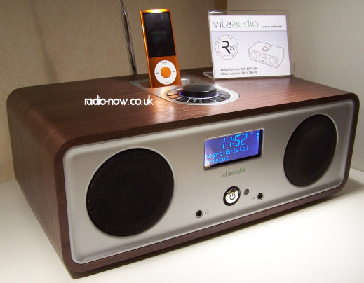 Vita R2i DAB/FM music system with iPod dock